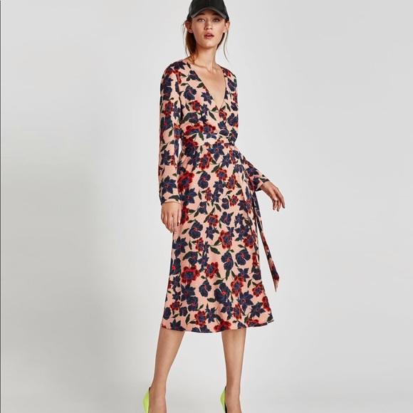 3686156b Zara Dresses | Brand New Floral Wrap Dress With Pockets | Poshmark